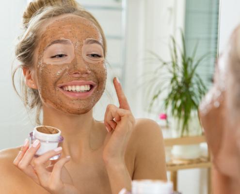 Gesichtsmaskge gegen unreine Haut